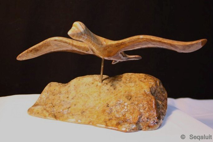 flying-bird-carving