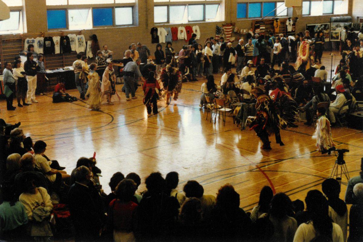 pow-wow-dancers